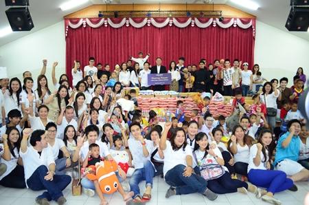 King Power Pattaya makes a great donation to the Pattaya orphanage.