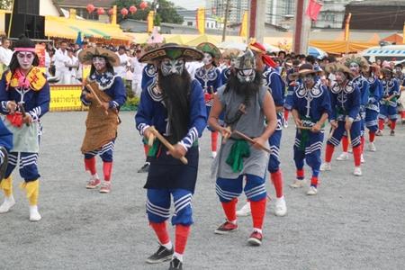 Eng-Kor-Pabu troops from the Look Praya group out of Nakorn Sawan perform in Naklua.