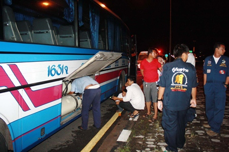 Mechanics avert disaster by acting quickly to contain an NGV gas leak aboard this Sattahip tour bus.