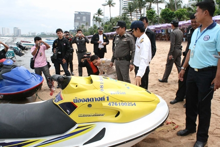 Last week, police and government officials performed snap inspections along Pattaya Beach (shown).  This week, the Jomtien Boatmen's Club began taking steps to self-regulate their businesses.