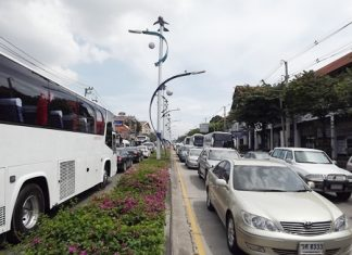 Heavy holiday traffic caused backups in many areas, including North Pattaya Road (shown here).