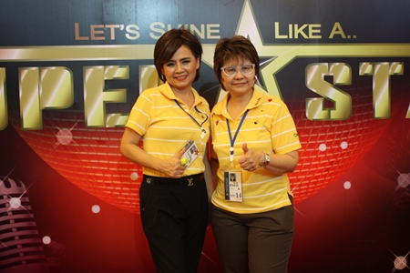 Wanpen Dhanathamsiri (left), CEO of Standard Performance and Salinee Wangtal, Deputy Governor, Bank of Thailand.