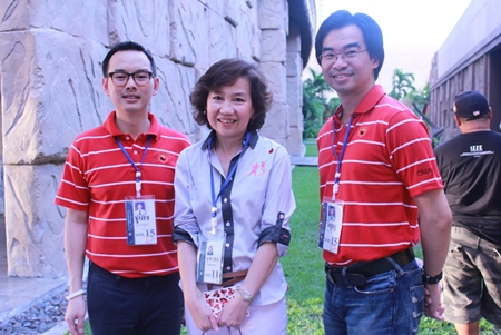 (L to R) Choodej Tejapaibul, Vice President - Pacific Park Sriracha Co., Ltd.; Jathuporn Rerngronasa, TAT Deputy Governor - International Marketing Europe, Africa, Middle East & America; and Winyou Chaiyawan, CEO of Thai Credit Retail Bank Plc.