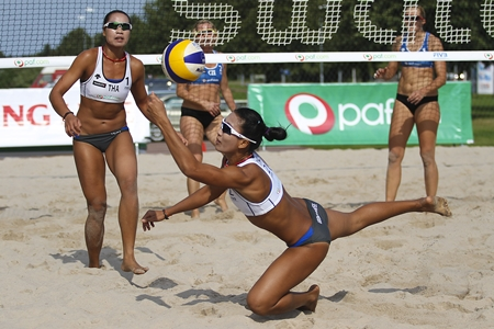 Thailand's top beach volleyball duo, Radarong and Udomchavee, will be in action at the Bangsaen Beach Volleyball World Tour event from Oct. 23-28.
