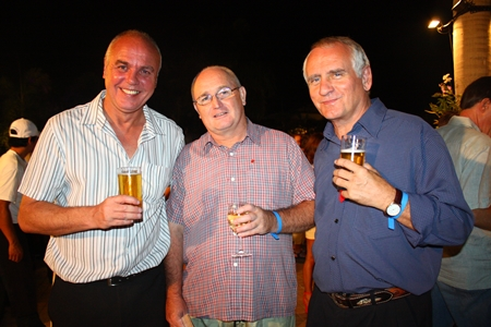 (L to R) Brian Wilkings, Bob young and Gary Wrighton, Sales Executive for Powerhouse Properties Co., Ltd.