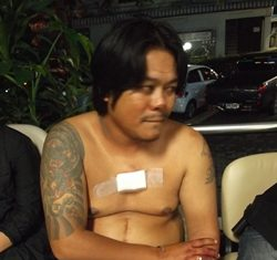 Sermsak claimed he was just sitting there, minding his own business when the drunk farang stabbed him. We'll let the reader draw his own conclusions.