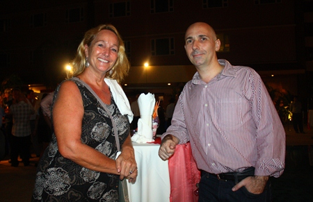 Rosanne Diamente from Women With a Mission and Simon Birkett, CEO of La-iert Cryogenic Sanitisation Co., Ltd. make it a mission to clean up the world.