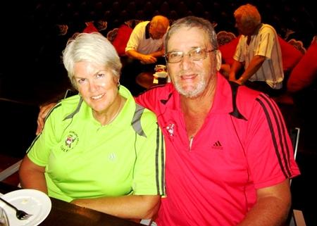 Ladies winner Wendy Bernek (left) with Peter Blackburn.