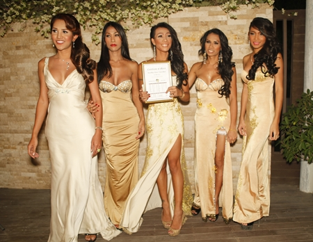 La Bamba were presented with the 'Best Dressed Team' award.