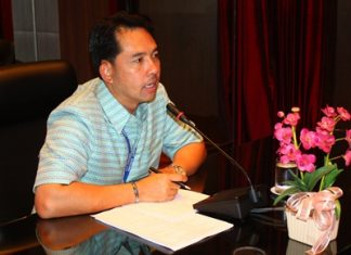 Mayor Itthiphol Kunplome announces details of the Naklua Walk and Eat night market at City Hall.