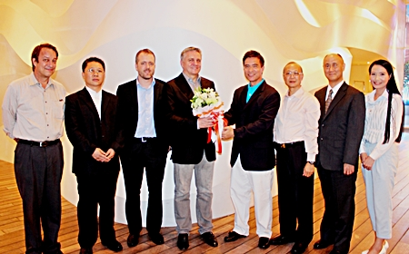 Serm Phenjati (4th right), consultant of dusitD2 baraquda pattaya recently welcomed high level authorities and delegates from Greater China (China, Hong Kong, Taiwan, Macau) on their Enforcement Conference organized by the Motion Picture Association at dusitD2 baraquda pattaya. The hotel has been selected as a venue to hold the Motion Picture Association's strategic conference focusing on a reduction of copyright theft and to ensure that all parties uphold commitments to protect the power of creative ideas around the world. (L to R) Frank Rittman, Vice President and Deputy Managing Director of the Regional Policy Office, Asia Pacific, Motion Picture Association; Zhi Cheng Wang, Deputy Director General, National Copyright Administration of China; Ryan Murray, Director of Content Protection, Asia Pacific, Motion Picture Association; Mike Ellis, President and Managing Director, Asia Pacific, Motion Picture Association; Serm Phenjati; Wai Hung Ho, Managing Director & GM, IFACT-GV (HK) and Nan-san Liu, Chief Secretary of Second Security Police, IPR Police (Taiwan).