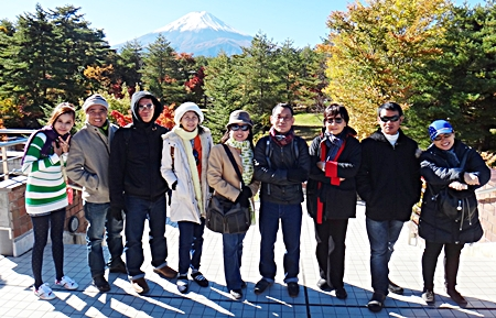 Sopin Thappajug (3rd right), MD of the Diana Group, led her management team on a field trip to Japan recently, taking them on the Tokyo-Fuji route. Whilst there the team took the opportunity to learn more about developing their management skills, adopting the Japanese business culture of discipline, strength and perseverance.