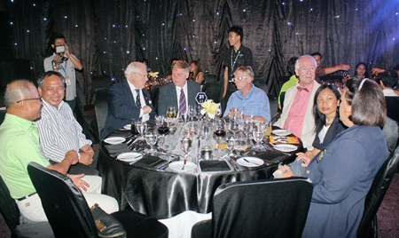 Members of the Rotary Club of Jomtien-Pattaya gave valuable support to the charity affair.