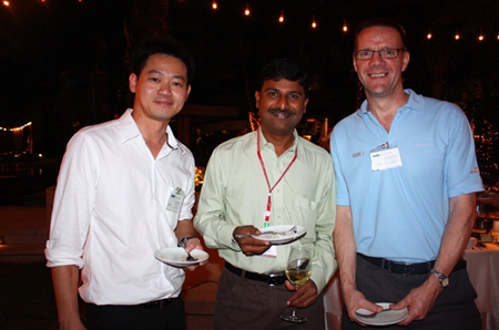 (L to R) Rungroj Sae-iao, CRM Manager, GKN Driveline (Thailand) Limited, Ramesh Ramanathan, Managing Director, Visteon (Thailand) Limited and Roger Wilson, Key Account Manager Ford, Eastern Seaboard Industrial Estate.