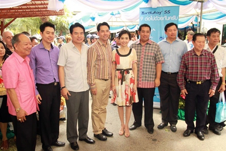 Family and friends gather to wish Mayor Itthiphol Kunplome a happy 39th birthday.