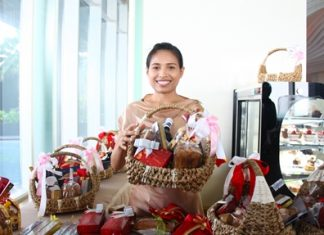 Hilton Pattaya has launched their gift basket promotion at the Drift Lounge.