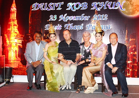 Hotel General Manager Chatchawal Supachayanont (right) sits for a commemorative photo with Pattaya Mail Media Group Managing Director Pratheep Malhotra (left), and close friends Peter and Erika Strehlua (center).