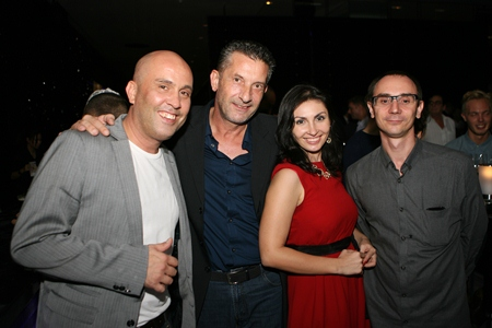 TV Host Daniel Boccalini (left) and Movers & Shakers founder Cees Cuijpers (2nd left) enjoy the evening with Irena & Alex De Rebas (right) from the Russian Real Estate Magazine.