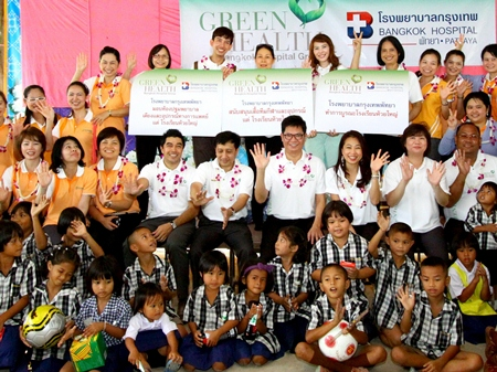 Dr. Pichit Kangwolkij, director of Bangkok Hospital Pattaya, led a team of executives, nurses and officers to inspect and upgrade school buildings including the first aid room at the Huay Yai School recently. They also presented the children with sports equipment and uniforms.