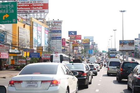 Everyone wants to go to Pattaya for our world famous Countdown 2013, as can be seen by this traffic on Sukhumvit Road coming into Central Pattaya.