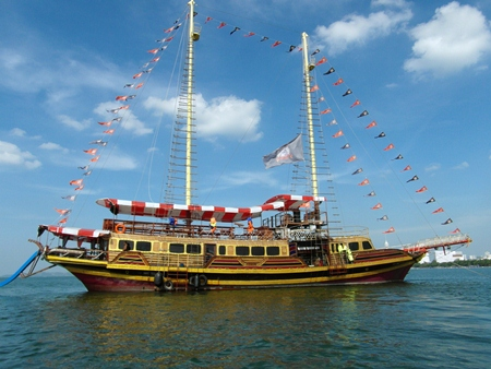 The Pirate Ship - anchored in Jomtien Bay.