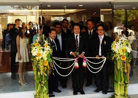 Officials cut the ribbon to officially open Samitivej Hospital's new Occupational Medicine Center.