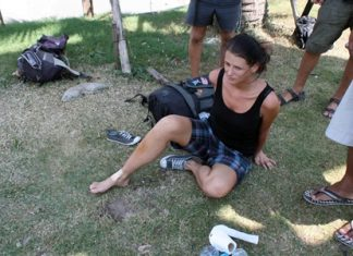 Hana Maskova sustained minor leg and knee wounds when she fell into a hole on an island in the middle of Sukhumvit Road.