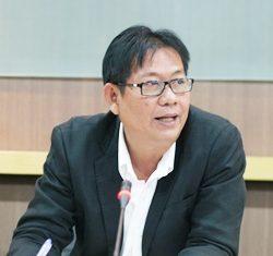 Prasit Athinnawong, director of the Bangkok Art and Cultural Center.