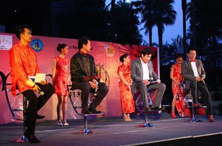 (L to R) Naddakorn Supharak, Chankit Na Ranong, Deputy Mayor Ronakit Ekasingh, and Central Festival Pattaya Beach General Manager Saran Tantijamnaj announce the upcoming Miss Qipao 2013 at Central Festival Pattaya Beach.