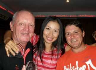 Sunday winners (left-right) Bob Newell, Yui Bietry and Mark Wood.