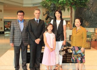 Royal Cliff Managing Director Panga Vathanakul (right) welcomes Brian Marca, CEO and Managing Director of BEC-Tero Entertainment (left) and his lovely wife & daughter (center) at the Royal Cliff Beach Hotel Lobby with Royal Cliff General Manager Christoph Voegeli (2nd from left).