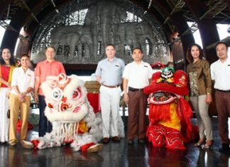 In celebration of the Chinese New Year, the Centara Grand Mirage Beach Resort organized a Lion Dance to bring luck to their guests and staff. Joining in the fun were GM Andre Brulhart, Executive Assistant Manager Paulo De Matos, EAM-F&B Wuthisak Pichayagan, Director of Human Resources Daranat Nuchaikaew, Front Office Manager Suranchana Thanbunphairach, PR Manager Usa Pookpant, and Chief Engineer Thanathip Wihokhern.