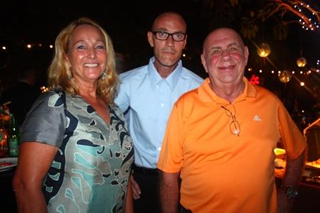 (L to R) Rosanne Diamente, Armin Walter, Production Manager, EFTEC (Thailand) Co., Ltd. and Ken Hinckley.