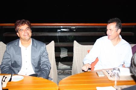 Tony Malhotra (Director Business Development Pattaya Mail Media Group) enjoys a laugh with Richard Margo (Amari Orchid Pattaya Resident Manager).