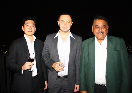 (L to R) Tomo Kuriyama (GM Sheraton Pattaya), Dimitri Chernyshev (Exec. Asst. Manager Pullman Pattaya Hotel G) and Peter Malhotra (MD Pattaya Mail Media Group) pause for a moment from admiring the spectacular view.