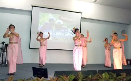 Pattaya School No. 9 students perform a lovely Thai traditional dance.