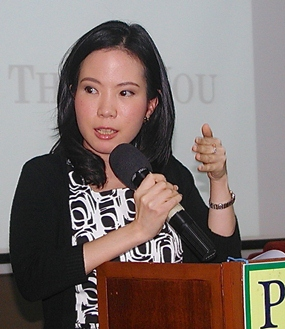 Dr. Nalinee Methachittiphan, dermatologist with Phyathai Hospital in Sriracha, speaks at the Sunday, February 17 meeting of the Pattaya City Expats Club.