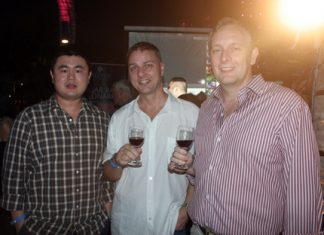 (L to R) Louis Lee (Managing Director of Nam Talay Estates Co., Ltd.), Russell Jay Darrell (MIX 88.5 FM), and Simon Philbrook (Client Advisor MBMG International Co., Ltd.).