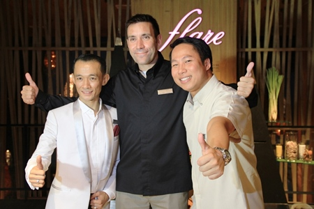 Saneh Prakobsub, Flare Restaurant Manager; Philippe Kronberg, General Manager and Dhaninrat Klinhom (Marketing Communications Manager Hilton Pattaya.