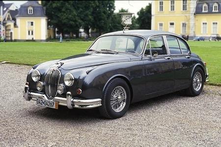 Jaguar MkII.