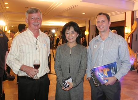 (L to R) Hans Banzinger, Swiss Paradise Resort, Wacharee Pornchaiwisuthikul, Director of Sales & Marketing, Dusit Thani Pattaya and Danilo Becker, hotel manager of Thai Garden Resort.