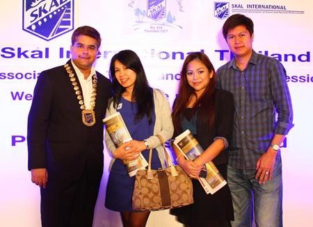 (L to R) Tony Malhotra, Dueanpen Thongsombat, Amari Orchid Pattaya, Alissara Khamprachom, Furama Jomtien Beach and Sarayut Moolpakdee, Sahapakdee Construction.