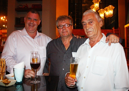 (L to R) Joe Cox, MD of Defence International Security Services, Van den Bergh Louis, MD of 4A Properties Realty and Dutch artist Martin H.A.P. van Bree.