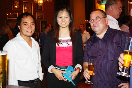 (L to R) Neil Maniquiz, head of the Bangkok Hospital Pattaya International Marketing Department, Janya Rattanaliam, deputy head and Alan Cohen, consultant for Business Class Asia.