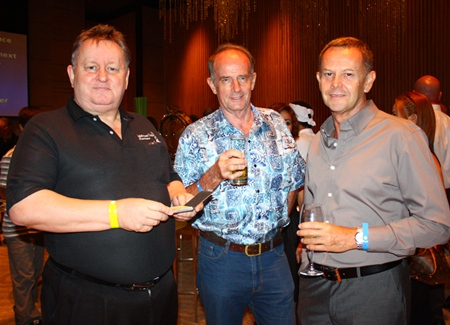 (L to R) Dave Buckley, Managing Director of Real Estate Magazine Thailand, Stuart Saunders, inventor of FlossFirst 'Credit Card' Dental Floss and Perry Sea Hoe from Seaway Design Co Ltd.