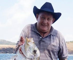 Jeff shows off his 5kg Pompano.