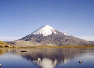 Parinacota: a volcanic mountain in Northern Chile. (Photo: Gerd Breitenbach)