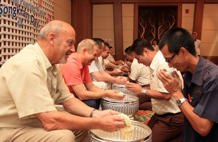 Staff of the Centara Grand Mirage Beach Resort Pattaya took part in the traditional pouring of scented water on the hands of the senior management to wish them luck and to receive blessings during Songkran last week. Receiving and at the same time giving blessings were (l-r) Gerd K. Steeb, Director of Centara Hotels & Resorts, Andre Brulhart, General Manager, Paulo Matos, EAM, Wuthisak Pichayagan, EAM of F&B, Thanathip Vihokhern, Chief Engineer and Daranat Nuchaikaew, HR Director.