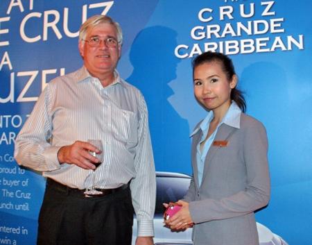 Frank Holzer (ASEAN Manufacturing Finance) and Varaporn Lamai (Hilton Pattaya).