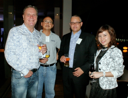 Simon Matthews (Manpower Group), Wiriya Pienchob , Ali Adam and Waraporn Lertsakkongkul, (Halcrow (Thailand) Ltd).